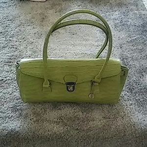G medium size handbag